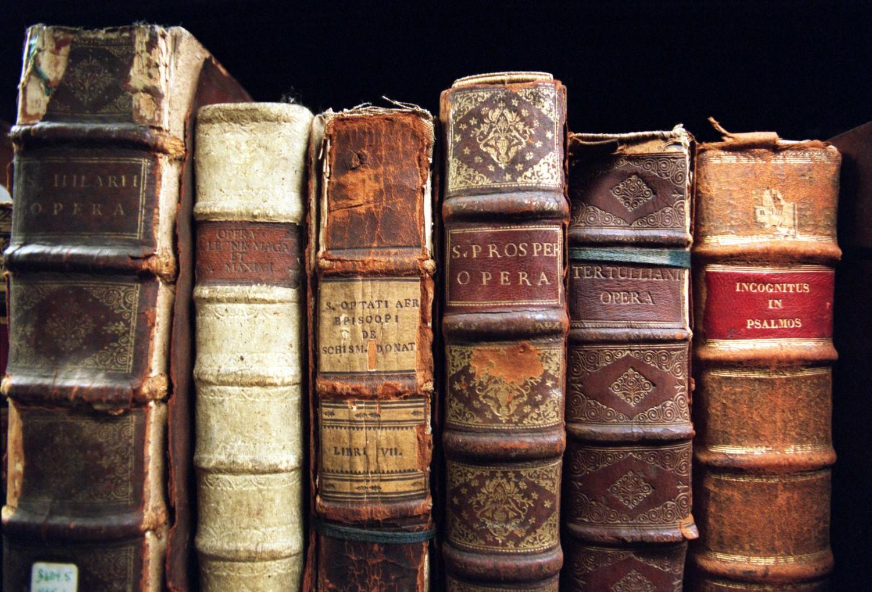 Titluri pretioase la anticariat pe libraria online eLibrar