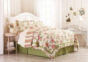 Lenjerii de pat si paturi din lemn disponibile pe DecoStores