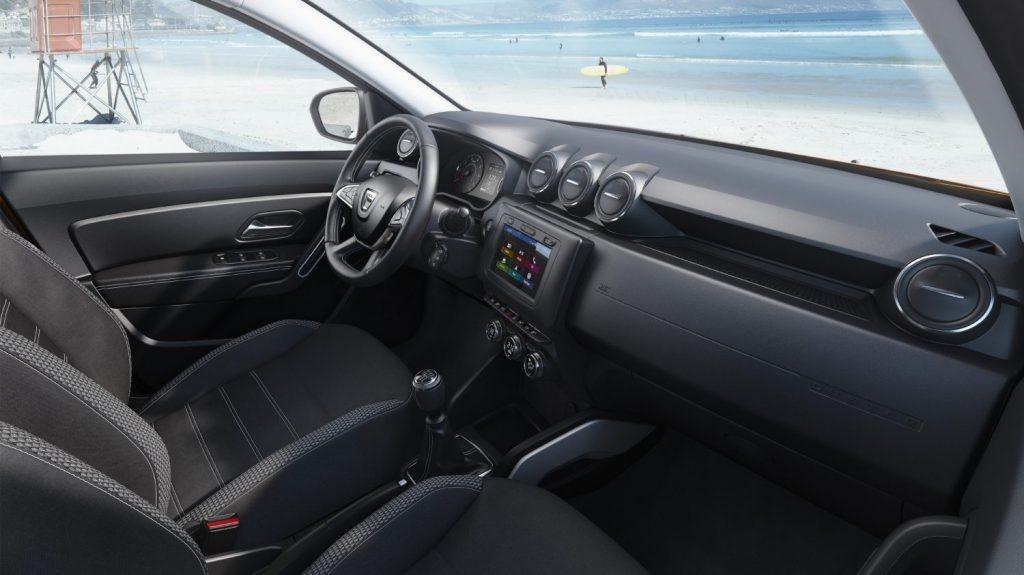 Cum arata design-ul interior la noul Duster