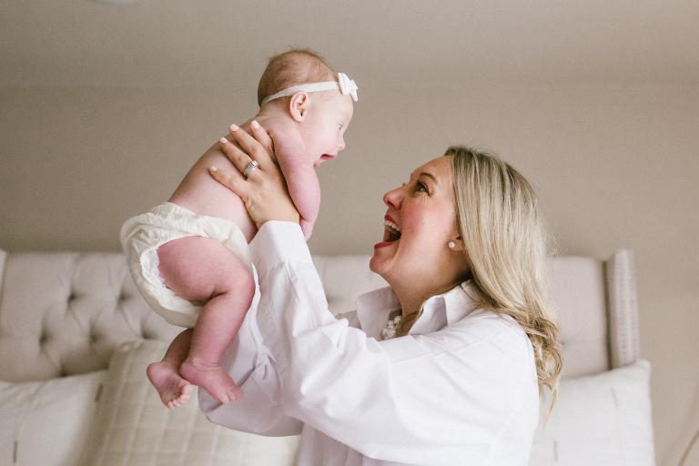 Scutecele Pampers, ajutor de nadejde  pentru mamici si...copii fericiti! 1