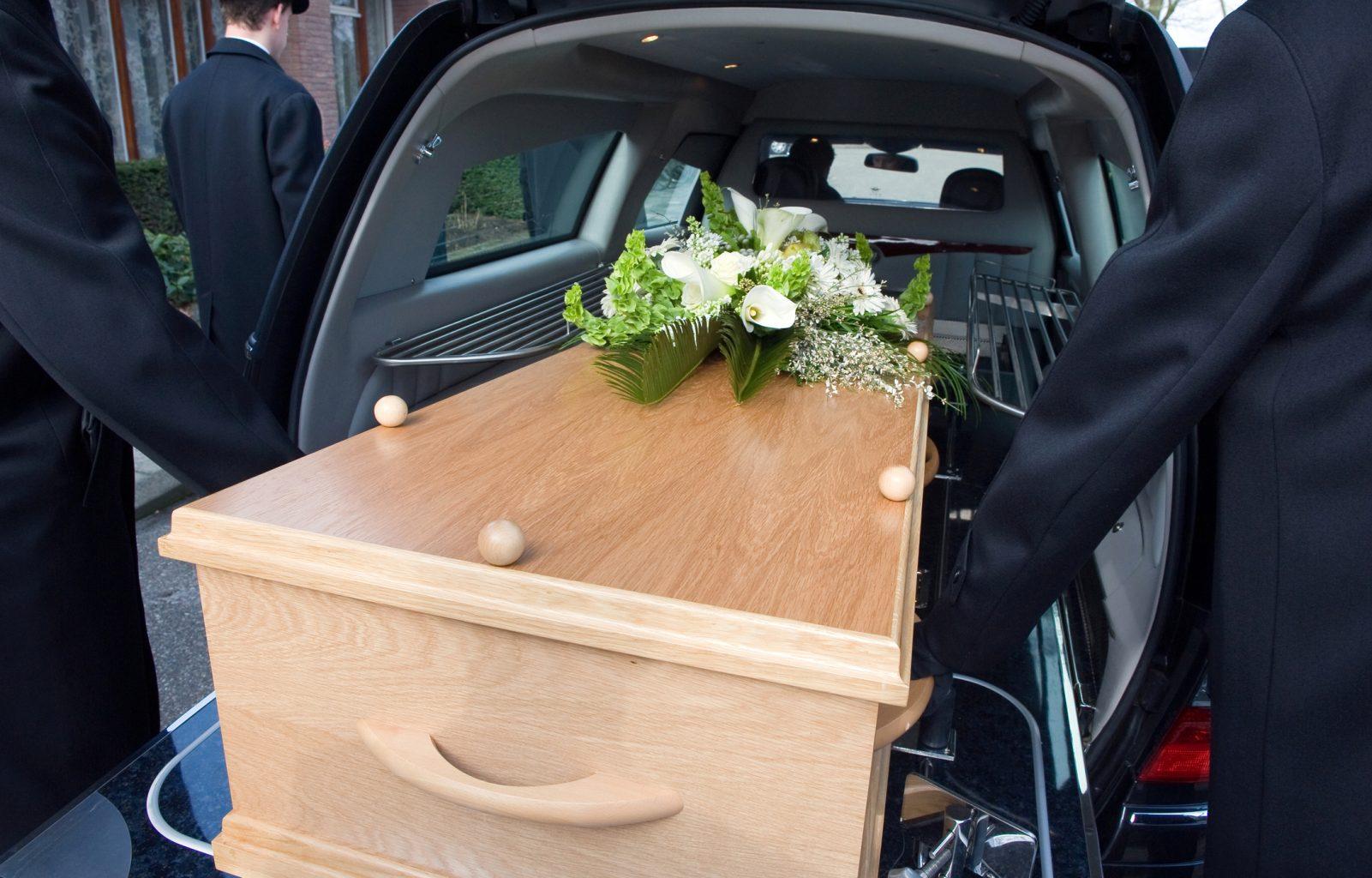 masina mortuara repatrieri