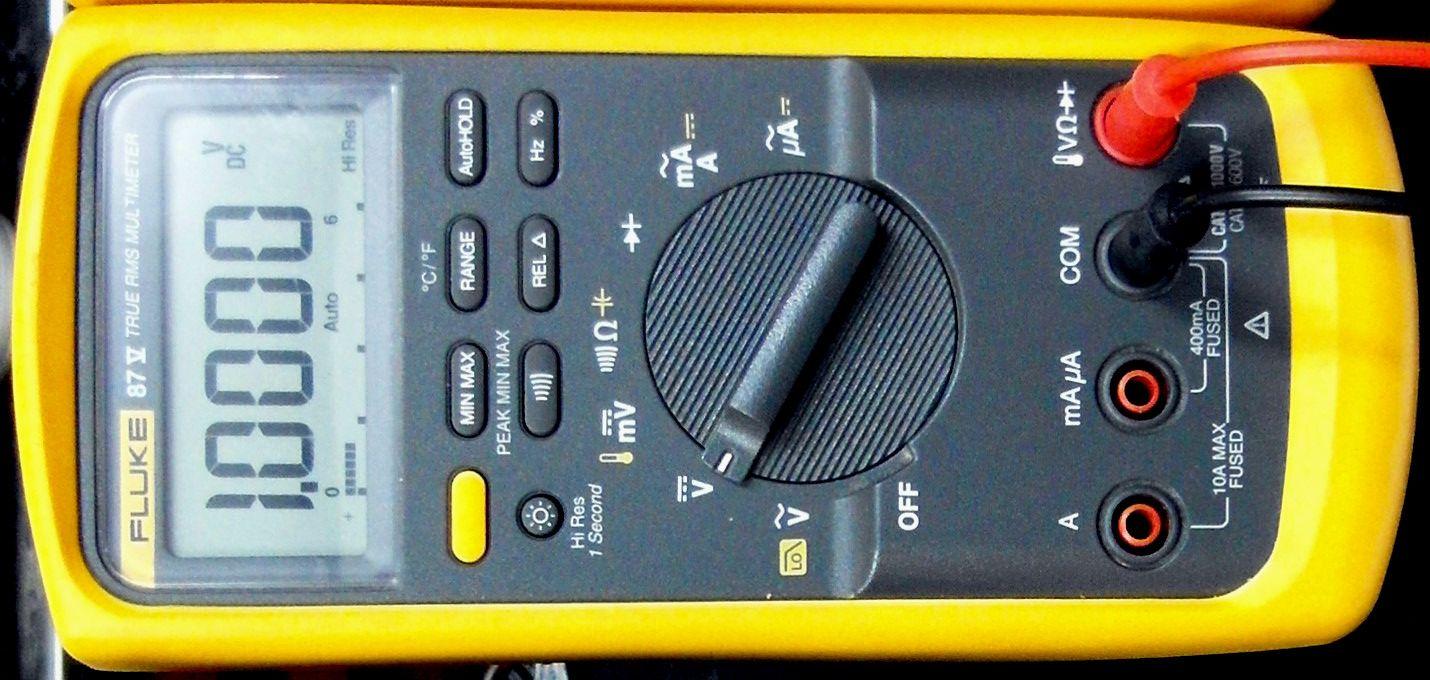 Cum se foloseste multimetrul digital Fluke 114, disponibil in oferta Ronexprim? 3
