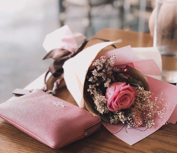 Vrei sa o impresionezi? Foloseste serviciul de livrare flori si trimite-i un cadou floral spectaculos 1