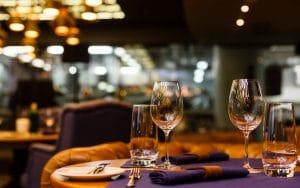 Orban vorbeste despre redeschiderea restaurantelor